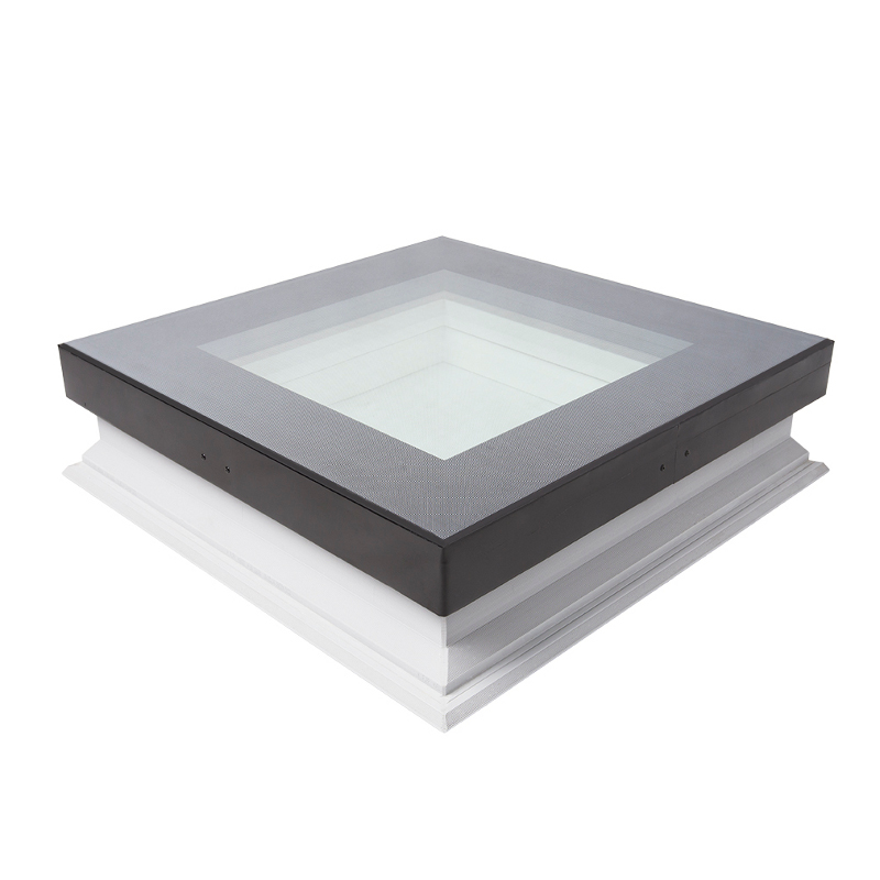 The DXW flat roof window ensures you can walk across its surface freely